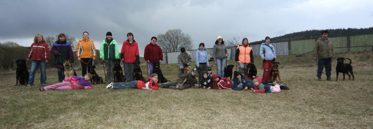 Společná fotka účastníků víkendového výcviku